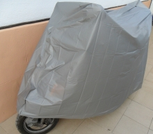 FUNDA PARA MOTO SCOOTER,IMPERMEABLE Y METALIZADA, hasta  230 X 130 CM
